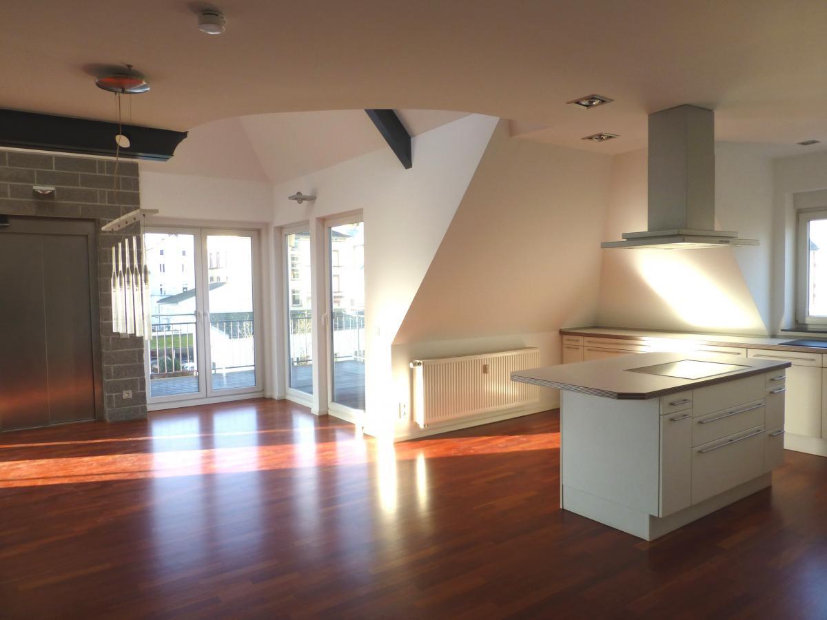 wohnen auf h chstem niveau exklusive penthousewohnung mit 4 zimmern in innenstadtlage claus r. Black Bedroom Furniture Sets. Home Design Ideas